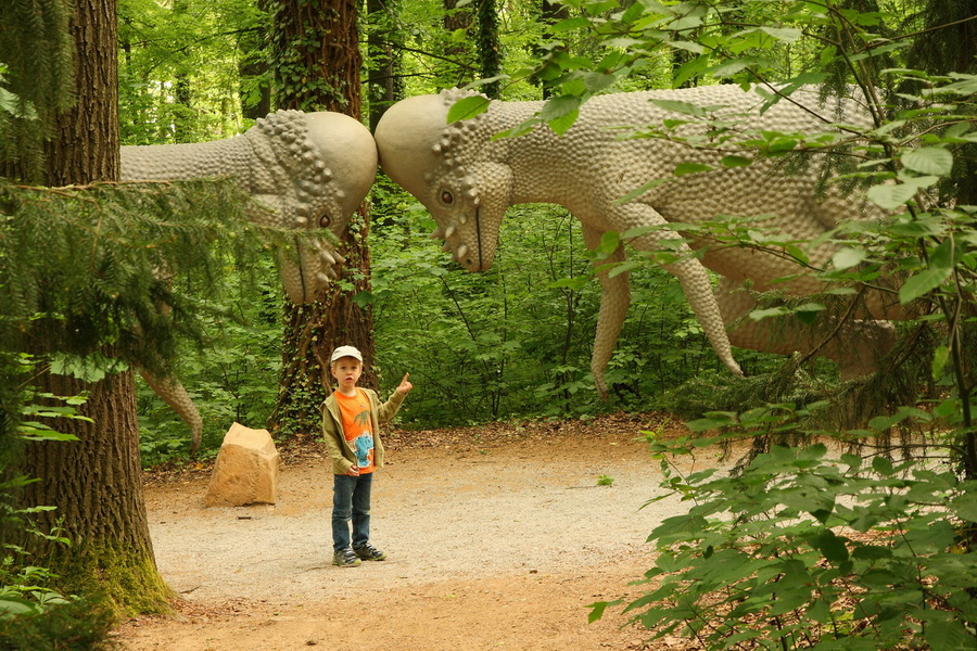 Saurierpark пахицевалозавры