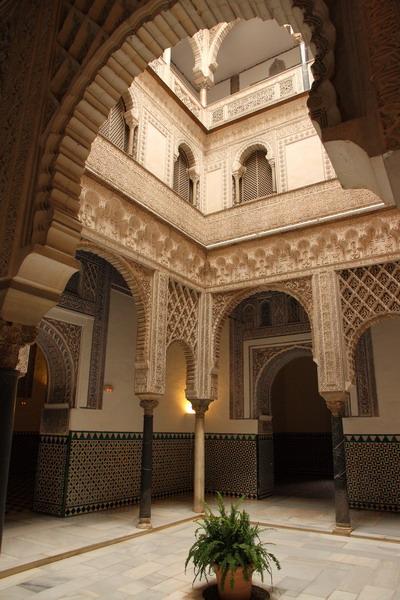 Дворец Алькасар в Севилье