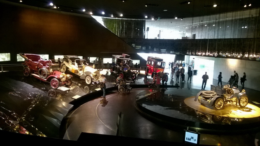 в музее Mercedes-Benz