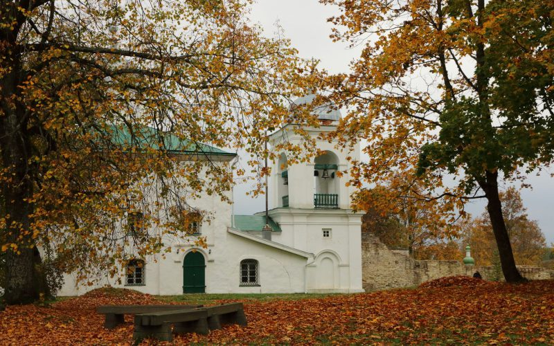 Изборская крепость, Никольский собор
